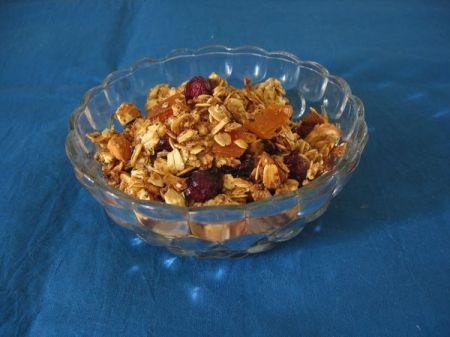 cranberry-mango-granola